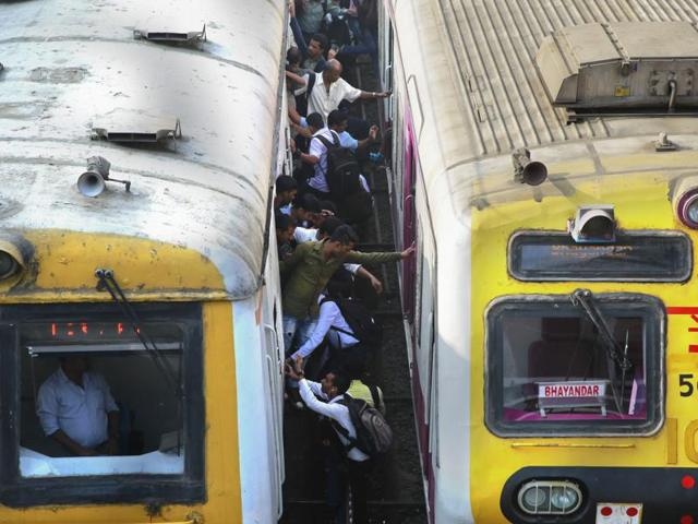 Five passengers of Bhagalpur Express died after being run over by the Howrah-bound Kalka Mail at Manda Road railway station on Sunday evening.