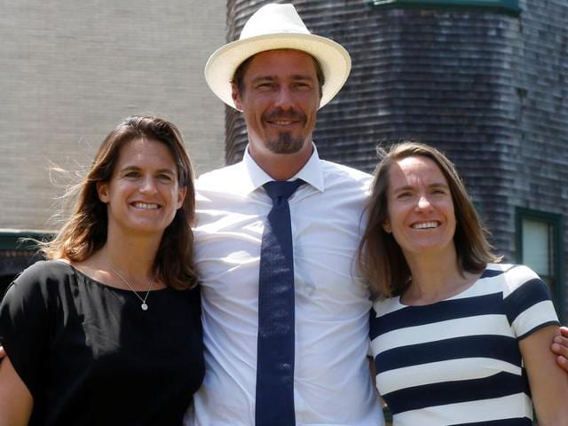Amelie Mauresmo of France, Marat Safin of Russia and Justine Henin of Belgium pose for a photo.