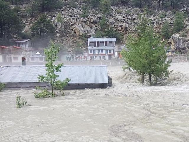 Respite from rain but more than 400 roads blocked in Uttarakhand