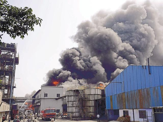 A fire was reported at Sara Exports unit, engaged in basic drug manufacturing, around 10am.