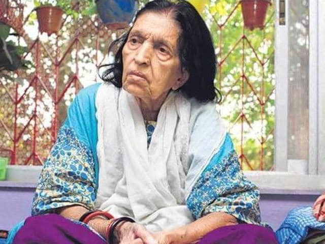 Legendary Singer Mubarak Begum is remembered for singing scores of songs, duets and ghazals for Bollywood, mainly during the 1950s-1970s.