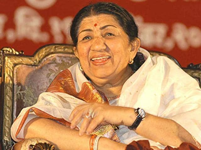 Lata Mangeshkar had a sung a duet with Mubarak Begum Shaikh in 1955 film Baradari, who died on Monday at the age of 80.