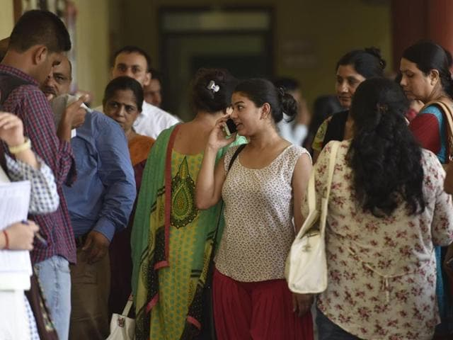 Eager Nervous Students Start First Day Of College At Delhi University Education Higher Studies Hindustan Times