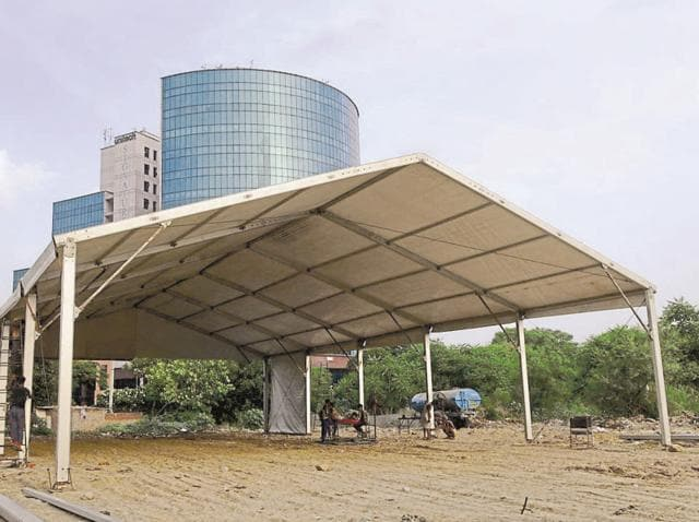Three dozen camps have been built for kanwarias along the expressway service lane.