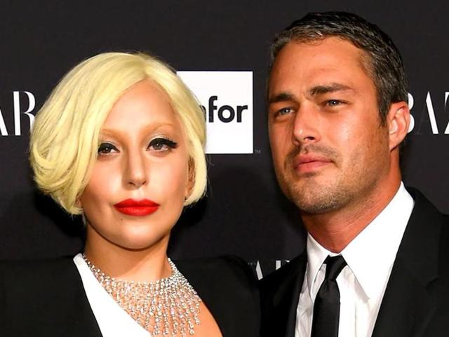 Singer Lady Gaga has broken up with her fiance Taylor Kinney.