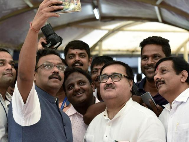 opposition,Maharashtra,corruption