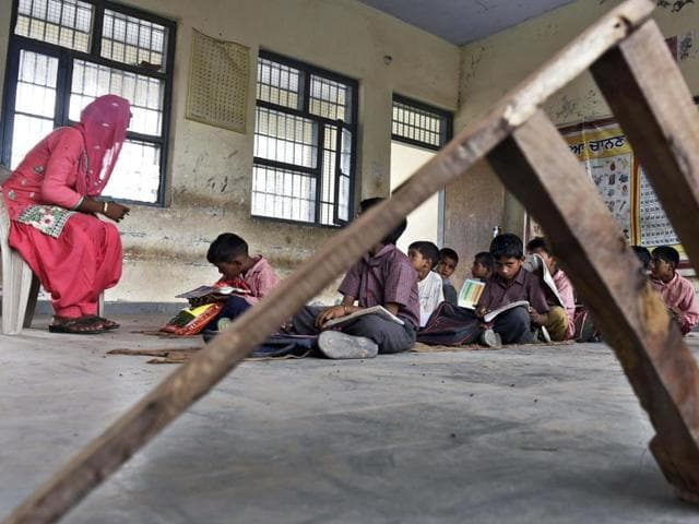 border schools,Ajnala school,Bal Labe Darya village