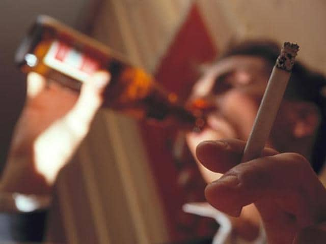 People who quit smoking also start drinking lesser alcohol ...