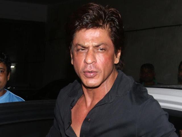 Indian Bollywood actor Shah Rukh Khan attends a screening of Hindi film 'Madaari' in Mumbai on July 20, 2016. / AFP PHOTO / -