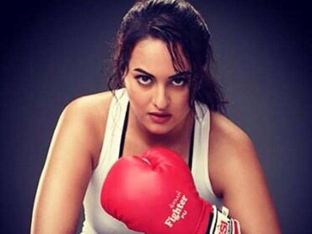 """Slamming reports that she had spent a night with alleged beau Bunty Sajdeh, Sonakshi Sinha tweeted, """"Want to know what they are smoking."""""""
