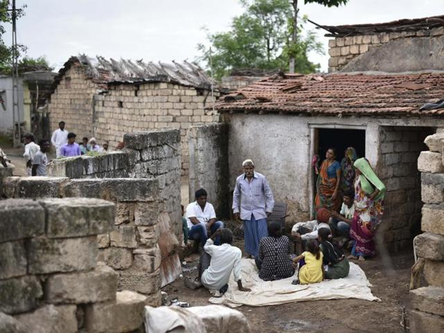 Relatives of the Dalit youths brutally assaulted by self-styled cow protectors last week at Samadhiyala village in Una, Gujarat.(Arun Sharma/HT PHOTO)