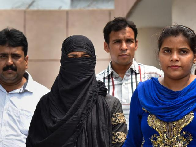 Delhi Police arrested a 25-year-old woman in connection with the murder of an elderly man at Samachar Apartments in Mayur Vihar area, on Saturday.