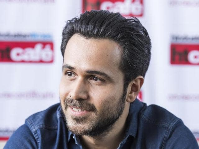 Bollywood actor Emraan Hashmi  recently took time out to meet an ailing fan  at a suburban hospital in Mumbai.