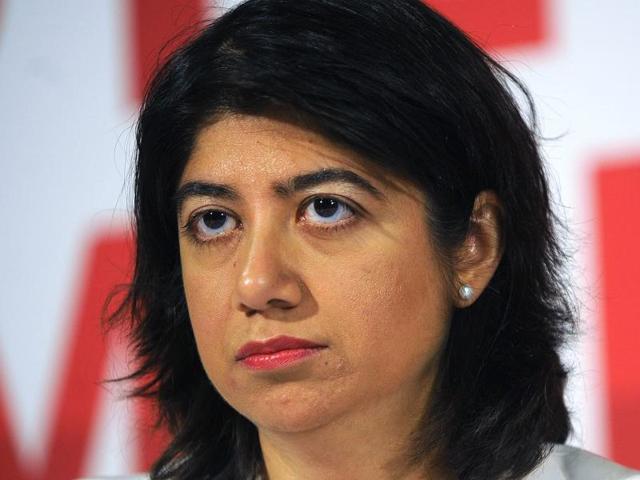 Indian-origin MP Seema Malhotra with Labour leader Jeremy Corbyn.(Reuters File)