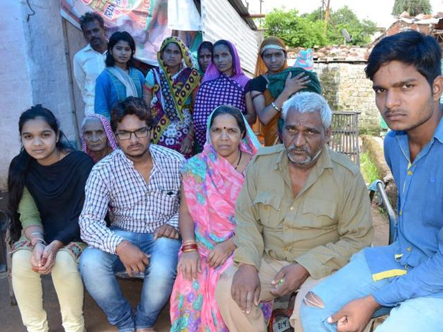 Deceased Deepak Sahu's family members in Bhopal.