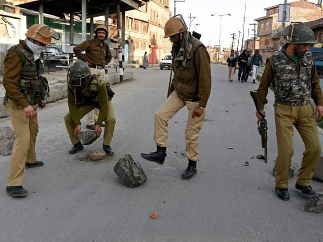 Migrant labourers and security personnel in Kashmir have largely been out of touch with their families back home because of the suspension of mobile services.