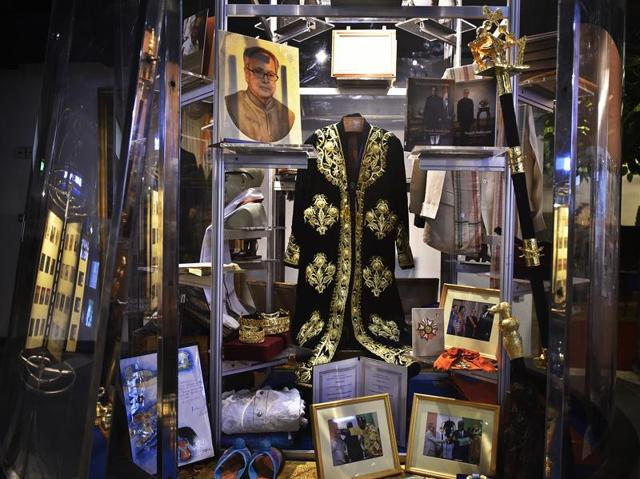 Gifts received by President Pranab Mukherjee are displayed at Phase-II of the three-storey Rashtrapati Bhavan Museum on Sunday. The country's only underground museum will be inaugurated by Prime Minister Narendra Modi on Monday to mark the completion of four years of Mukherjee as the head of state. It will open to the public on October 2. (Raj K Raj/Ht Photo)