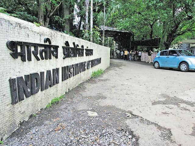 This year, both IIT-B and IIT-Delhi do not have a single seat vacant.