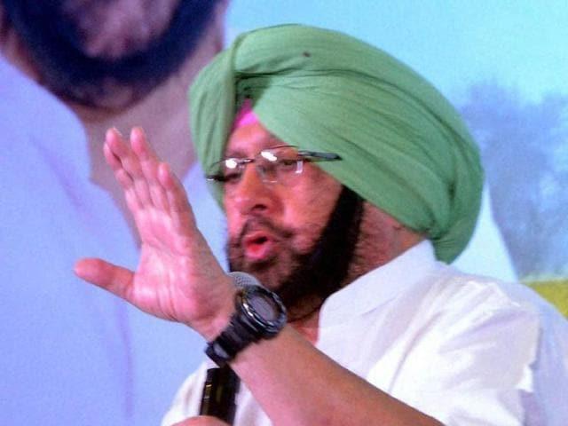 Congress leader Captain Amarinder Singh speaks at an event in Fatehgarh Sahib.