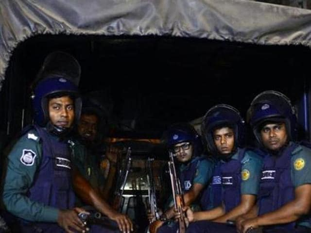 Police say they killed nine suspected Islamic militants in a raid on a building in Dhaka on Tuesday.