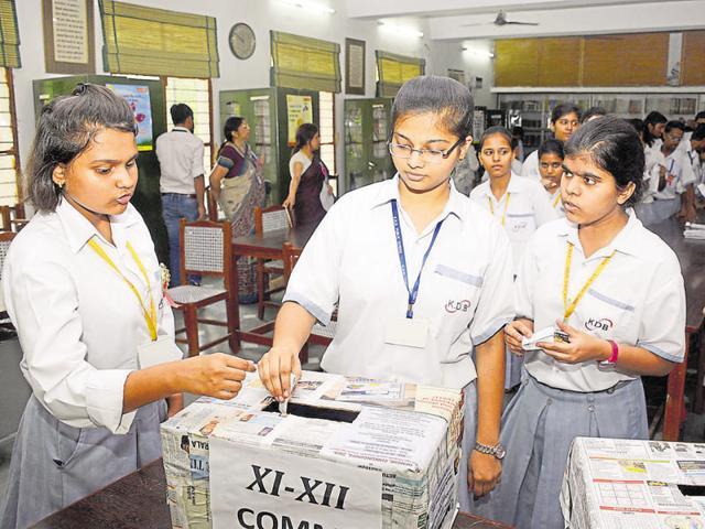 KDB Public School in Kavi Nagar held elections for the post of head boy and head girl.