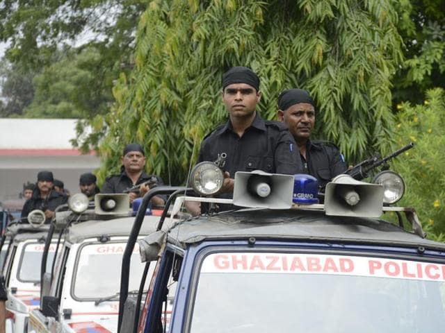 Officials said the QRTs would be deployed round-the-clock in both rural and urban areas and will also move around in the sensitive areas of Loni, Farrukh Nagar, Meerut Crossing and Modi Nagar.(Sakib Ali/HT Photo)