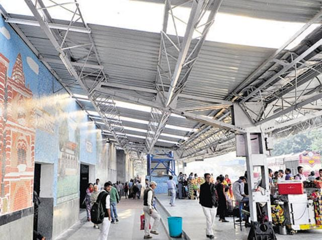 The cleanest railway stations in the country are in Gujarat and the dirtiest in Bihar and UP, according to a passenger feedback survey on cleanliness.