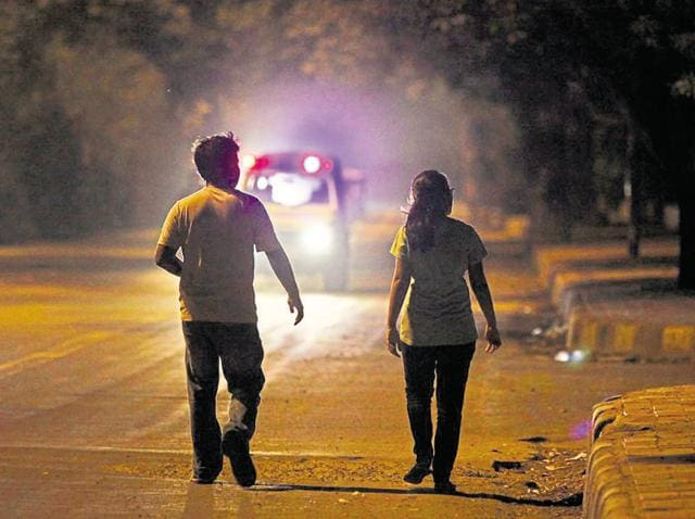 In a survey done by the PWD, it was found that there are 124 dark spots in the East Delhi Municipal Corporation area and around 7,304 dark spots in the North Delhi Municipal Corporation area.