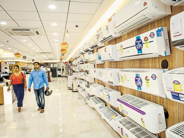 A Centre for Science and Environment study has said an AC's energy efficiency becomes worse as the mercury rises.