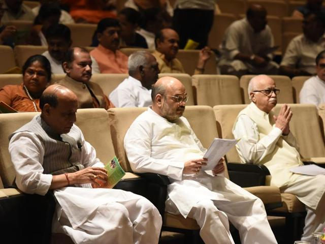 Senior BJP and RSS leaders met Sangh Parivar affiliates, who have voiced concerns over the Centre's move to open key sectors to foreign investment.