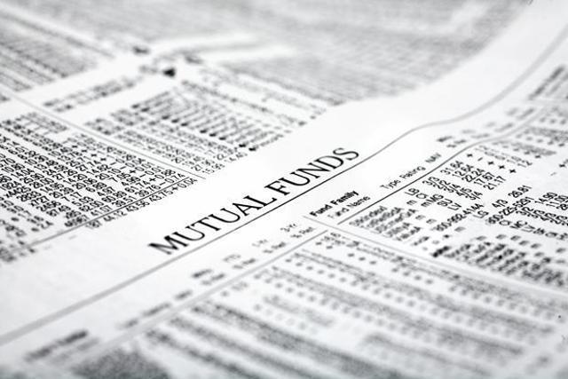 Retail folios constitute 95% of total mutual fund folios.