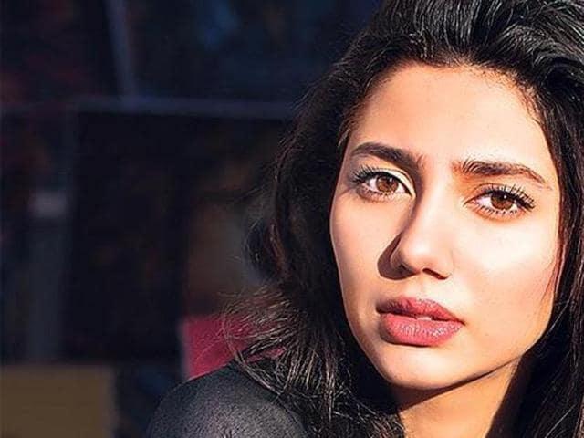 Mahira Khan will be seen opposite Shah Rukh Khan in Raees.