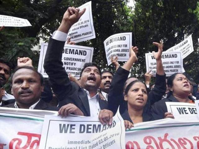 Hyderabad HC,suspension of 11 lower court judges,Telangana Judges Association
