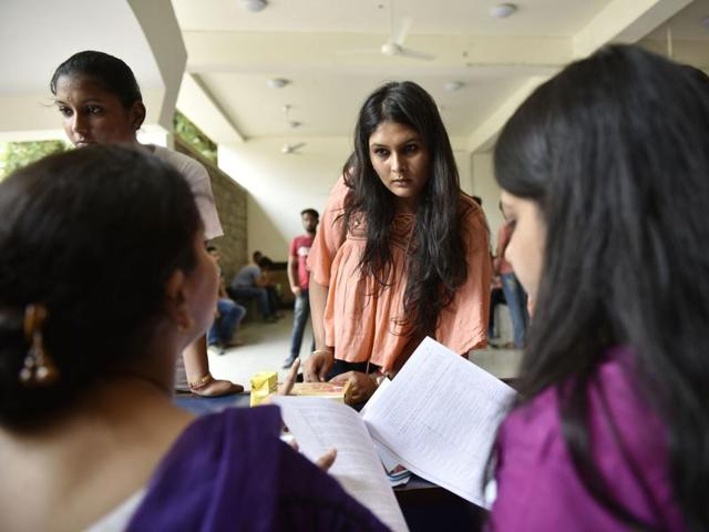 Authorities at Delhi University have instructed colleges to prepare a new merit list for admissions in undergraduate courses after students and their parents complained about a confusion over the required cutoff.