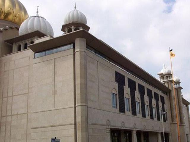 A view of the Gurdwara Sri Guru Singh Sabha in Southall, London (Photo courtesy-Wikipedia)