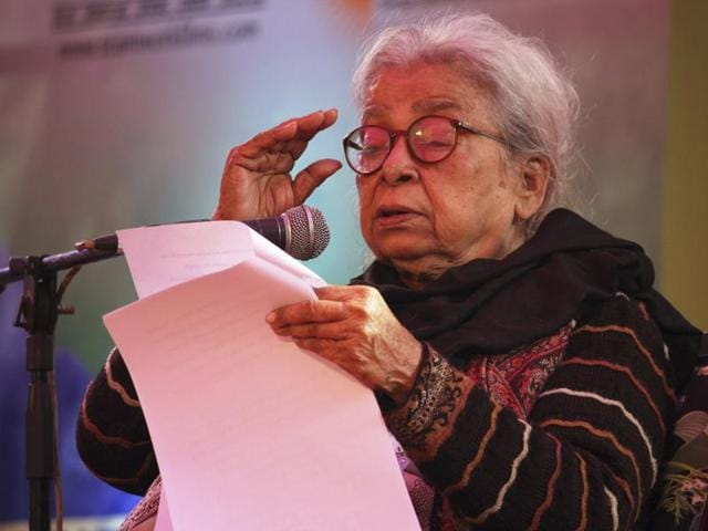 Mahasweta Devi delivers the keynote address during the opening of the Jaipur Literature Festival in Jaipur in January 2013.(AP)