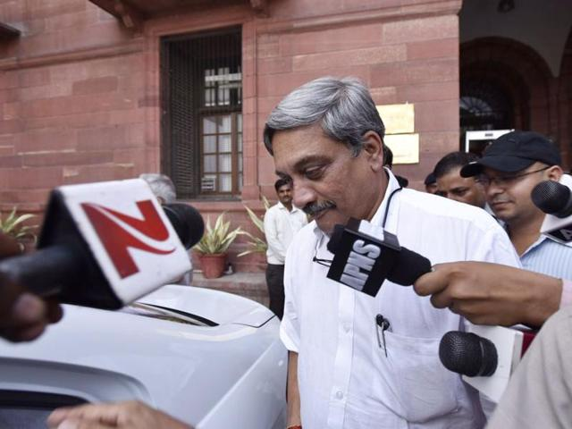 Defence minister Manohar Parrikar on Thursday said there was no concrete evidence with respect to the missing Indian Air Force aircraft AN-32.(Arun Sharma/ HT File Photo)