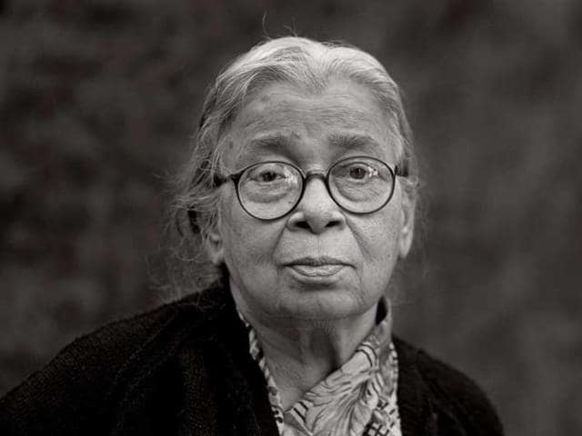 Mahasweta Devi was undergoing treatment at south Kolkata's Belle Vue Clinic.(HT File Photo)