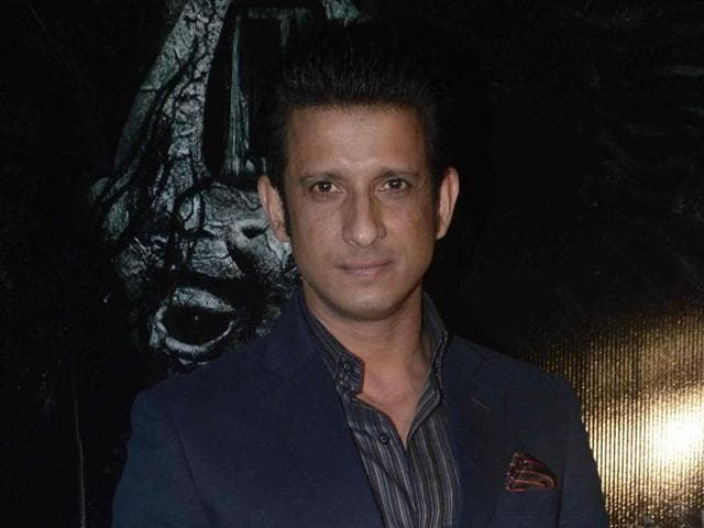 Actor Sharman Joshi says that he is never happy with his performances.