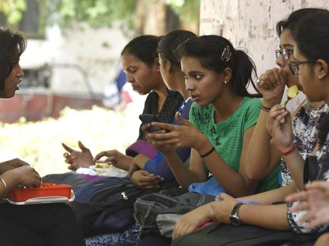 Delhi University on Thursday asked its affiliated colleges to issue a fresh merit list after parents and students reported problems with the first one released on Wednesday evening.