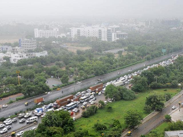 Gurgaon,Rains,Traffic jams in Gurgaon