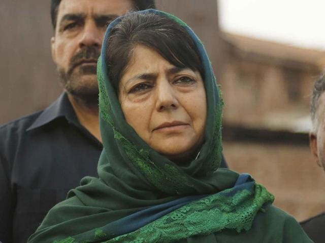 Chief minister Mehbooba Mufti's remarks on Thursday underline the difficulties of Kashmiri politicians who need to toe the Centre's line while appealing to aggrieved constituencies in the Valley.(File photo)