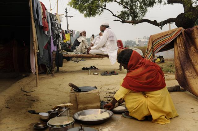 The newly released data from the 2011 Census shows that the Muslim community, the largest minority in the country, come out pretty much at the bottom of most socio-economic indices even a decade after a high-level government probe into their historical disadvantages led to policy actions.(HT File Photo)