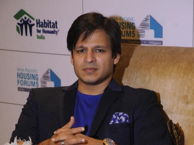 Actor Vivek Oberoi has donated computers to young girls to help them learn more.