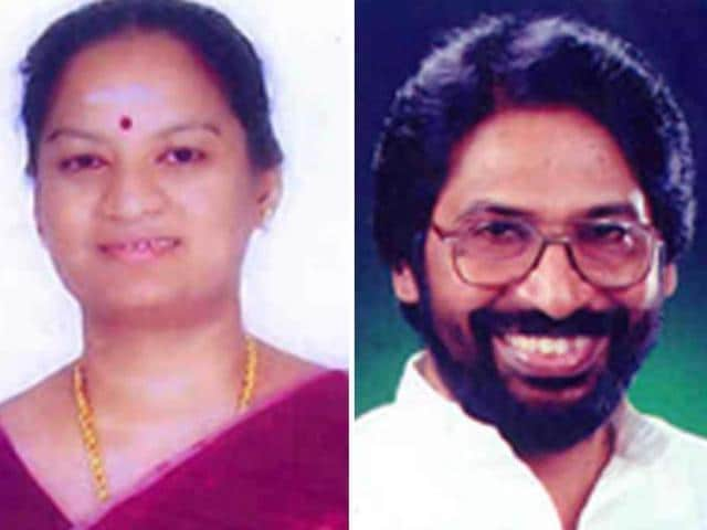 Sasikala Pushpa (left), an MP of Tamil Nadu's ruling AIADMK party, slapped DMK parliamentarian Tiruchi Siva(right)  after he refused to travel in the same aircraft, Delhi Airport security officials said on July 30, 2016.