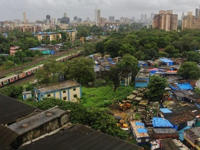 A meeting was held between Thane civic commissioner Sanjeev Jaiswal, mayor Sanjay More and member of Parliament Rajan Vichare with railway minister Suresh Prabhu this week. The minister assured them that the foundation stone for the station will be laid before Diwali this year, said Vichare