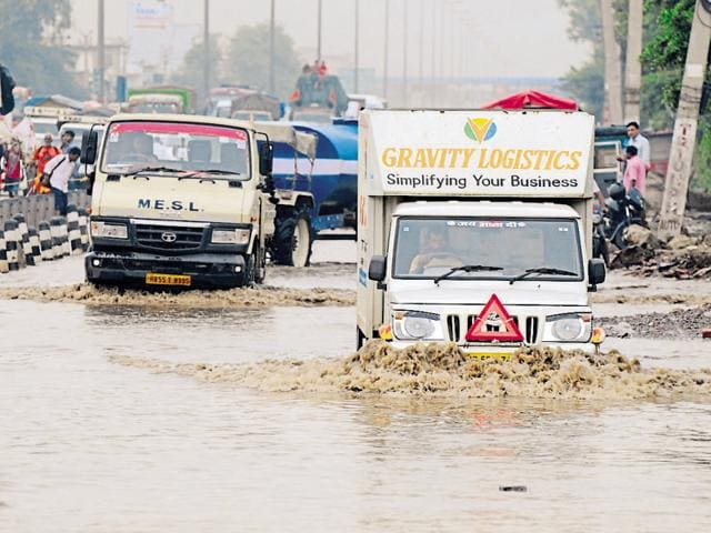 On Thursday night, hundreds of commuters were stranded on waterlogged roads of Gurgaon for hours.
