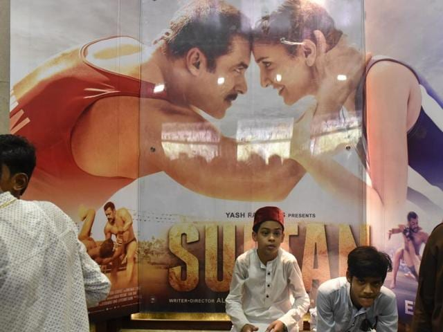A block education officer (BEO) in Gaurela in Bilaspur district has issued a notification to all school principals in the block to show Salman Khan's 'Sultan' to students.
