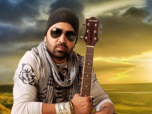 Bollywood singer Brijesh shandilya is a big fan of old songs.