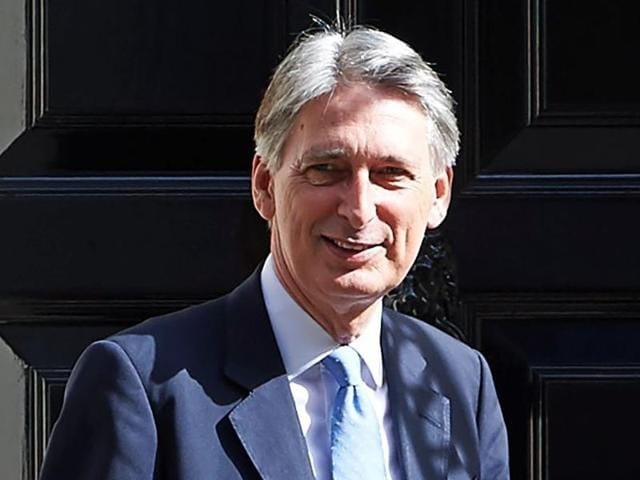British finance minister Philip Hammond has welcomed the issuance of the first offshore rupee-denominated bond from HDFC.